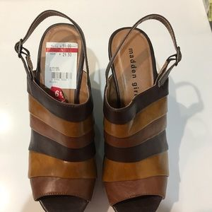 NIB Madden brown leather wedges